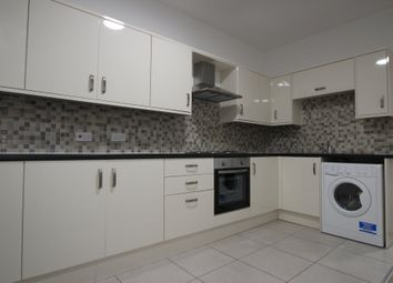 Thumbnail 2 bed flat to rent in Hounds Gate, Nottingham