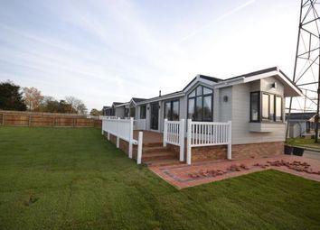 Thumbnail 2 bed mobile/park home for sale in Burnham Road, Battlesbridge, Wickford