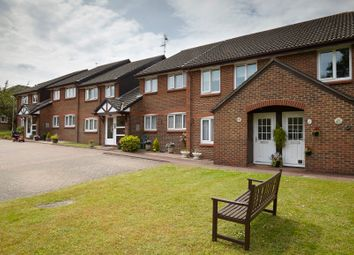 Thumbnail 1 bed flat for sale in Workingham, Berkshire