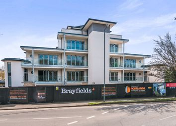 Thumbnail 2 bedroom flat for sale in Braywick Road, Maidenhead