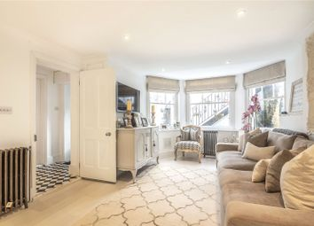 Thumbnail 2 bed flat for sale in Woodland Rise, London
