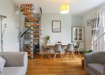 Tufnell Park Road, London N7. 2 bed flat for sale