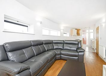 Thumbnail 2 bed flat to rent in Martello Street, London Fields