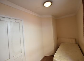 Thumbnail Room to rent in Pennard Road, Shepherds Bush