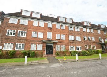 Thumbnail 3 bed flat to rent in Granville Place, High Road, Finchley