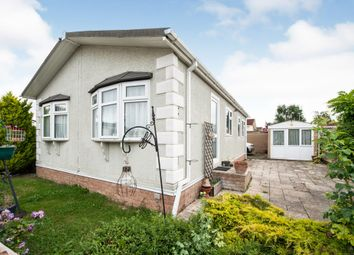 Monks Walk, St. Johns Priory, Lechlade GL7. 2 bed mobile/park home