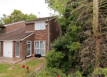 3 bed semi-detached house to rent in Mitford Close, Reading RG2