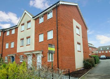 Thumbnail 3 bed town house for sale in Guillemot Close, Stowmarket