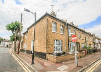 Thumbnail 1 bedroom flat for sale in Kent Villas, Gordon Road, Southend-On-Sea