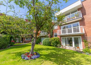 2 bed flat for sale in Hampton Lane, Solihull B91