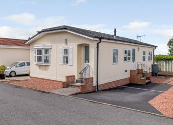2 bed mobile/park home for sale in Carmarthen Road, Kilgetty SA68