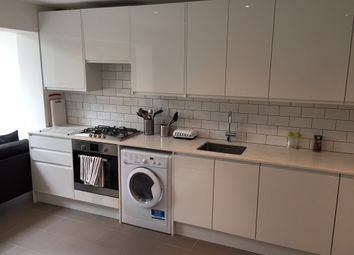 Thumbnail 5 bed town house to rent in Walton Close, Vauxhall