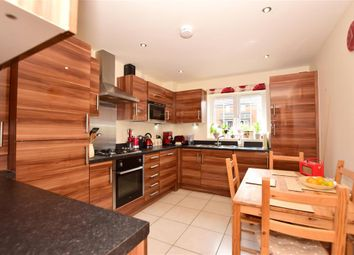 Thumbnail 2 bed flat for sale in Scott Road, Tonbridge, Kent