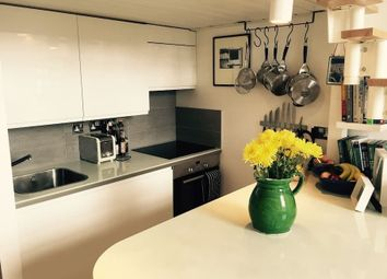 Thumbnail 1 bed flat to rent in Manhattan Building, London