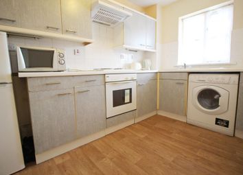 1 bed flat to rent in Springfield Court, Forsythia Close, Ilford, Essex IG1