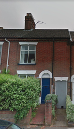 Thumbnail 2 bed town house to rent in Rosebery Road, Norwich