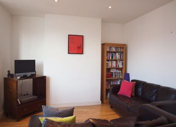 Thumbnail 2 bed flat to rent in Dumbarton Road, London