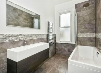 Room to rent in Valliere Road, London NW10
