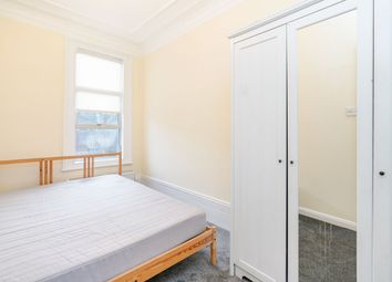 Thumbnail 2 bed property to rent in Askew Road, London