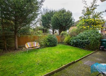 Cromwell Close, East Finchley, London N2. 2 bed flat