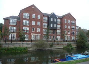 Thumbnail 2 bedroom flat to rent in Hunters Wharf, Katesgrove Lane, Reading