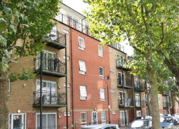 Thumbnail 3 bed flat to rent in Alscot Road, London Bridge