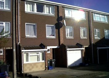 Thumbnail 7 bed shared accommodation to rent in Langley Meadows, Loughton