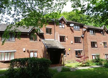 2 bed flat to rent in Crescent Avenue, Prestwich, Prestwich Manchester M25