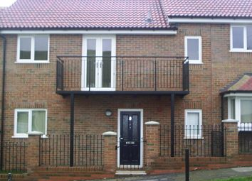 Thumbnail 1 bed flat to rent in Pinions Road, High Wycombe