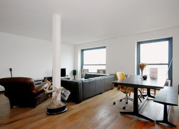 Thumbnail 1 bed flat to rent in Green Walk, London