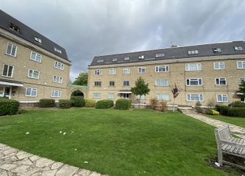 Stonegrove, Edgware HA8. 3 bed flat for sale