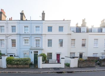 3 bed terraced house to rent in Southwood Lane, Highgate N6