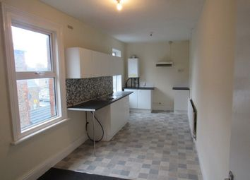 Thumbnail 3 bed flat to rent in Alexandra Road, Cleethorpes