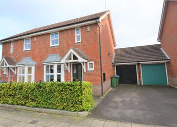 2 bed property for sale in Horton Close, Aylesbury HP19