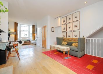 Thumbnail 3 bed flat for sale in Grayling Road, London