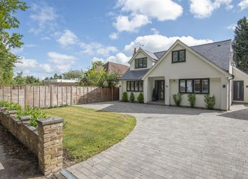 Wiltshire Avenue, Crowthorne, Berkshire RG45. 4 bed detached house