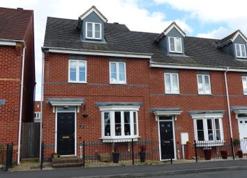 Thumbnail 3 bed town house for sale in Queen Victoria Drive, Swadlincote
