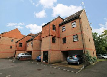 1 bed flat to rent in Carmel Close, Mount Hermon Road, Woking GU22