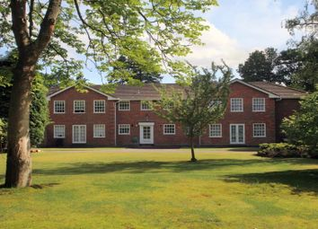Thumbnail 3 bed flat to rent in Collinswood Road, Farnham Common, Slough