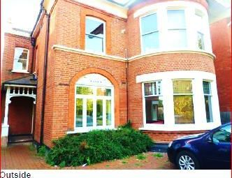 Thumbnail 1 bed flat to rent in Elm Grove, London