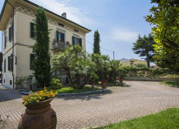 Thumbnail 9 bed detached house for sale in Lucca Lucca, Italy