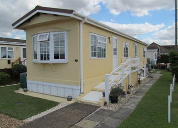 Thumbnail 2 bed mobile/park home for sale in Orchard View, Dunton Park, Lower Dunton Road (Ref 5654), Brentwood, Essex