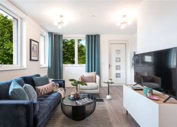 Junction West, Merrick Road, Southall, Middlesex UB2. 3 bed flat