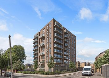 Thumbnail Flat to rent in Ben Jonson Road, London