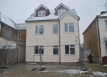 Thumbnail 1 bed flat to rent in Cottall Avenue, Chatham