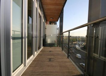Thumbnail 1 bed flat to rent in Spinnaker House, Battersea