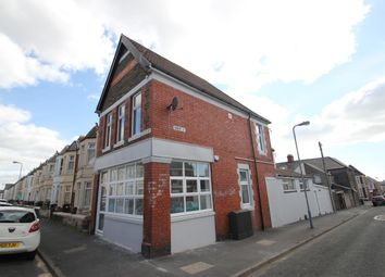 2 bed flat to rent in Dogfield Street, Cathays, Cardiff CF24