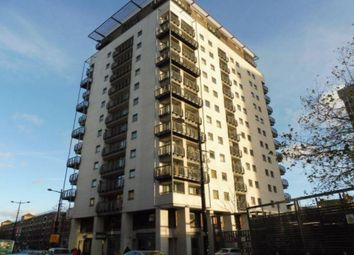 Thumbnail Flat to rent in Queen Street, Cardiff