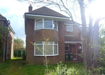 Thumbnail 2 bedroom flat to rent in Pentire Avenue, Shirley, Southampton