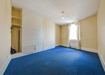 Thumbnail 2 bed flat to rent in Broadway, Knaphill, Woking, Surrey